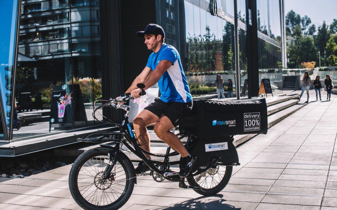Natura integra bicicletas y vehículos eléctricos en sus entregas en 7 comunas de Santiago